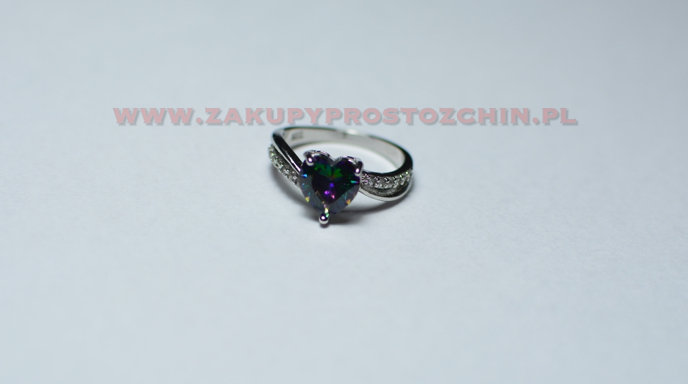 Srebrny pierścionek z tęczowym kamieniem (topaz)